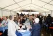 Trotz Regenwetter war das Festzelt gut gerfüllt. Beim offizielle Teil des Geschehens kamen rund 250 Besucher. Im Laufe des Tages wurden es gut 500 Besucher. (Bild: Diesler)